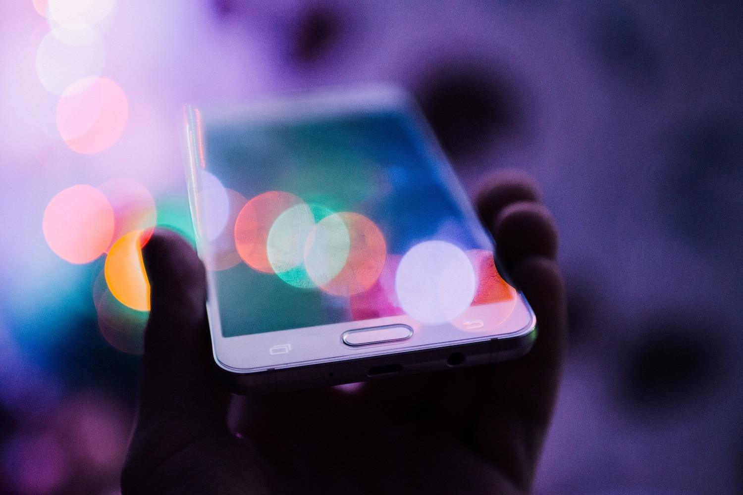 6 Ways Your Website is Throwing Mobile Traffic Away